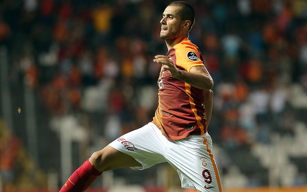 Turkey superlig match between Akhisar Belediyespor and Galatasaray in Manisa , Turkey on August 27 , 2016. Pictured: Eren Derdiyok of Galatasaray. PUBLICATIONxNOTxINxTURTurkey Superlig Match between Akhisar Belediyespor and Galatasaray in Manisa Turkey ON August 27 2016 Pictured Eren Derdiyok of Galatasaray PUBLICATIONxNOTxINxTUR