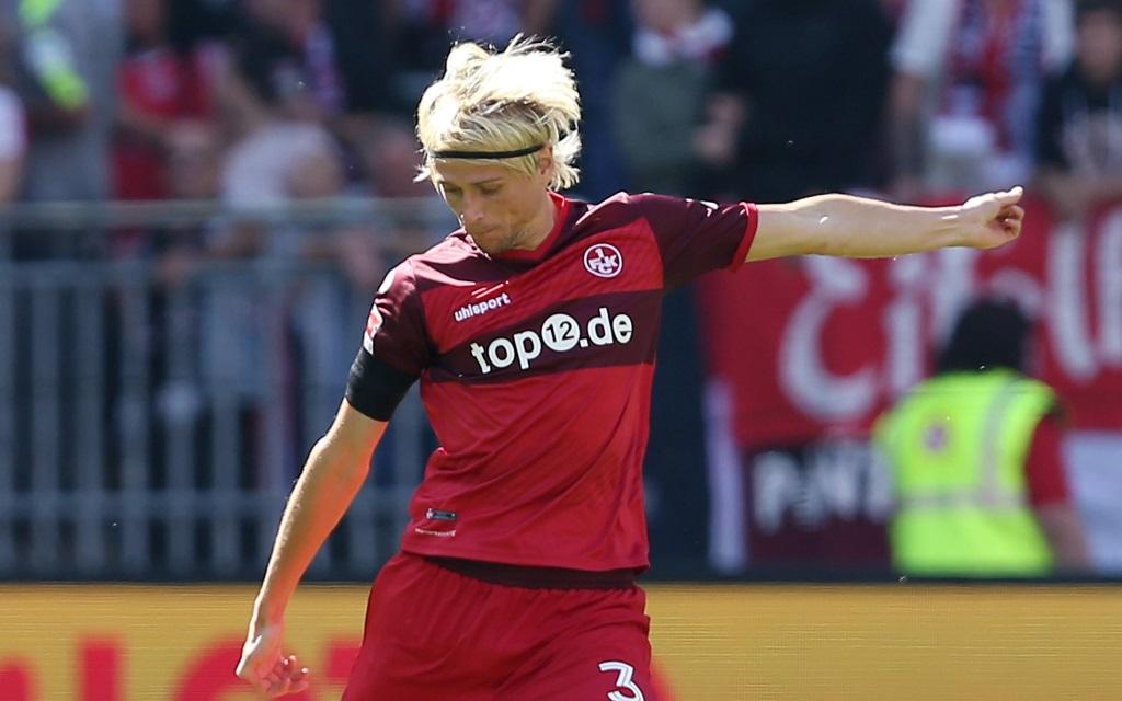 Tim Heubach im Spiel zwischen dem 1.FC Kaiserslautern und dem VfB Stuttgart am 5. Spieltag der Saison 2016/17 am 17.09.2016