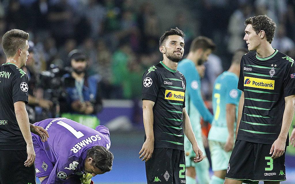 Julian Korb (Borussia Mönchengladbach) schaut enttäuscht. Champions League-Spiel Borussia Mönchengladbach - FC Barcelona (Borussiapark in Gladbach am September 28., 2016.
