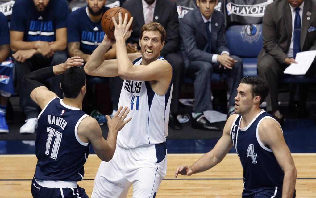 Dirk Nowitzki im dritten Spiel der Playoffs 2015/16 mit den Dallas Mavericks gegen die Oklahoma City Thunder