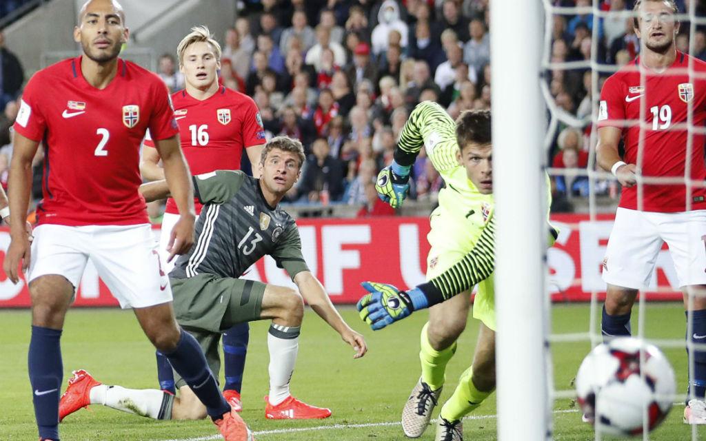 Thomas Müller mit dem DFB-Team gegen Norwegen