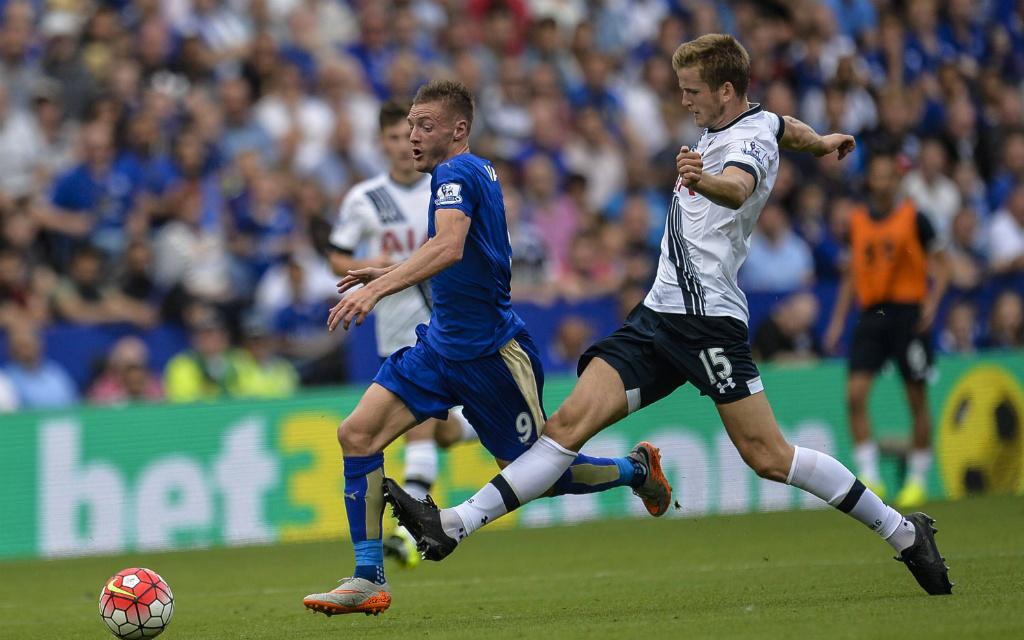 Zweikampf zwischen Tottenhams Eric Dier (r.) und Jamie Vardy (Leicester)