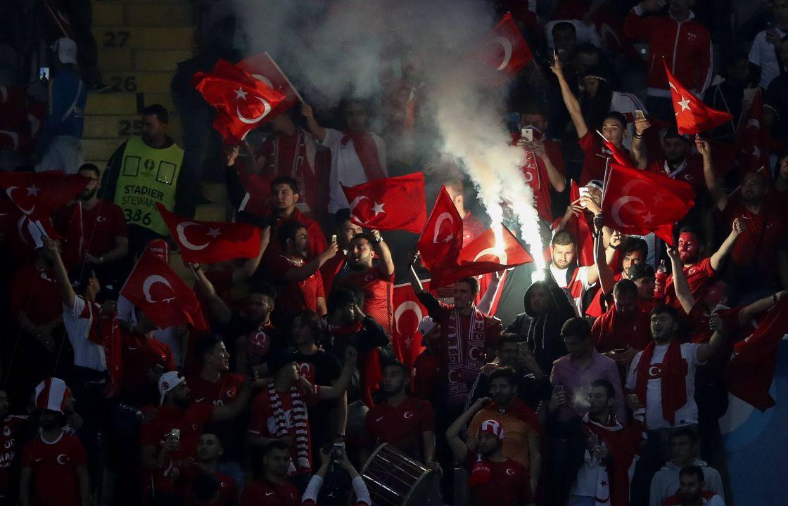 Türkei-Fans freuen sich auf Arda Turan