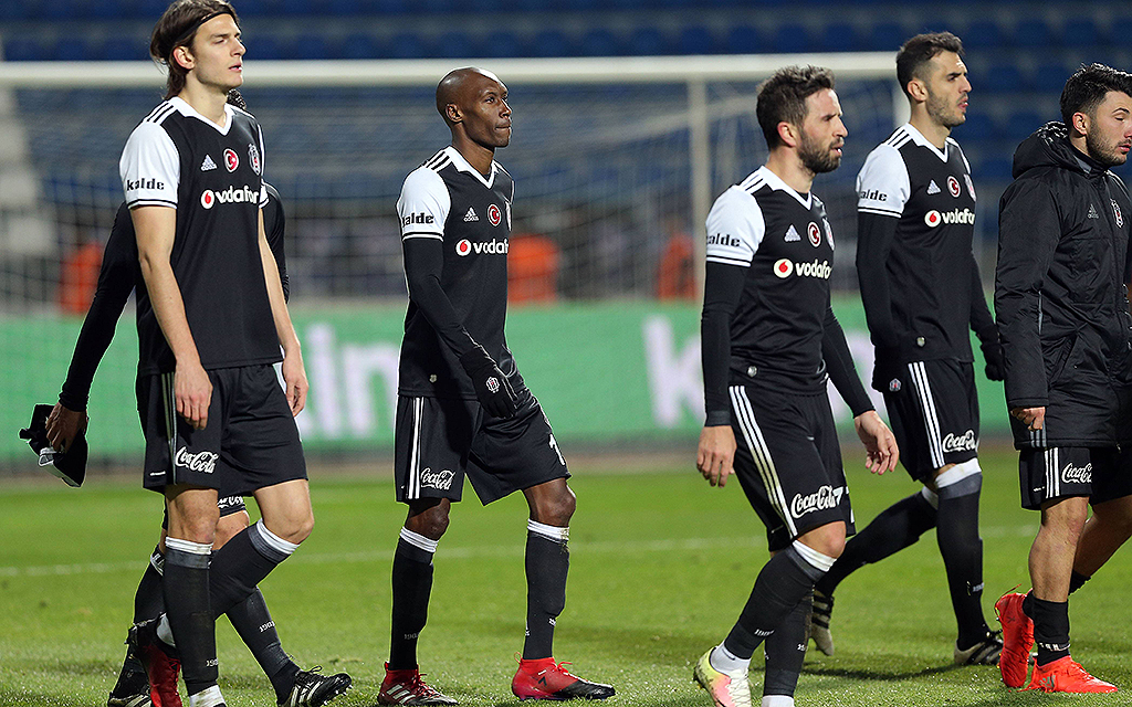 Süper Lig-Spiel zwischen Kasimpasa und Besiktas im Recep Tayyip Erdogan Stadium in Istanbul am 16. Dezember 2016. Endstand: Kasimpasa 2 - Besitas 1