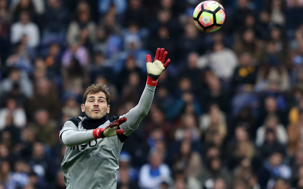 Imago: Auf Iker Casillas' Reflexe baut Porto auch im Heimspiel gegen Juve.
