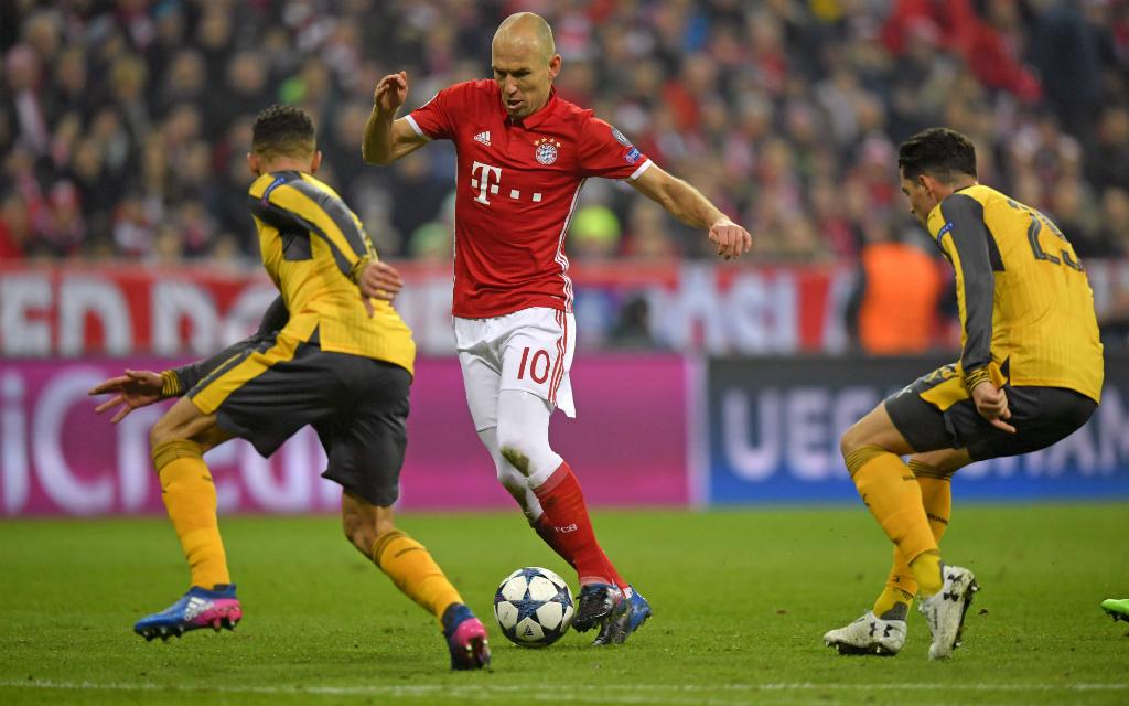 Imago/MIS: Arjen Robben war im Hinspiel von Arsenals Verteidigern nicht zu stoppen
