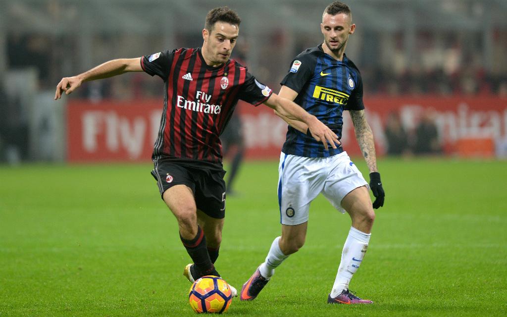 imago/Buzzi: Der AC Mailand (Bonaventura, l.) und Inter (Brozovic, r.) werden im Derby auch am Samstag um jeden Ball kämpfen.