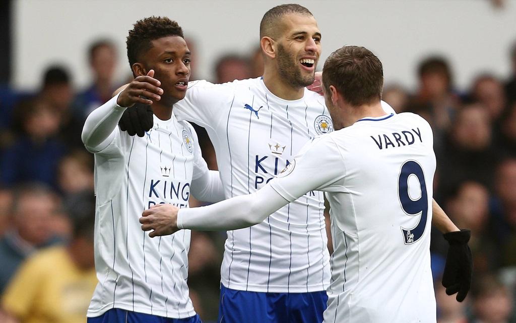Ismal Slimani feiert sein Tor gegen Everton in der Saison 2016/17