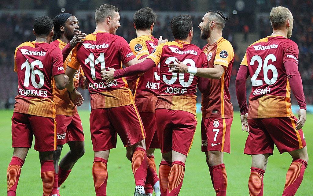 Imago | Galatasaray: Lukas Podolski und Co. kämpfen gegen Osmanlispor um Europa