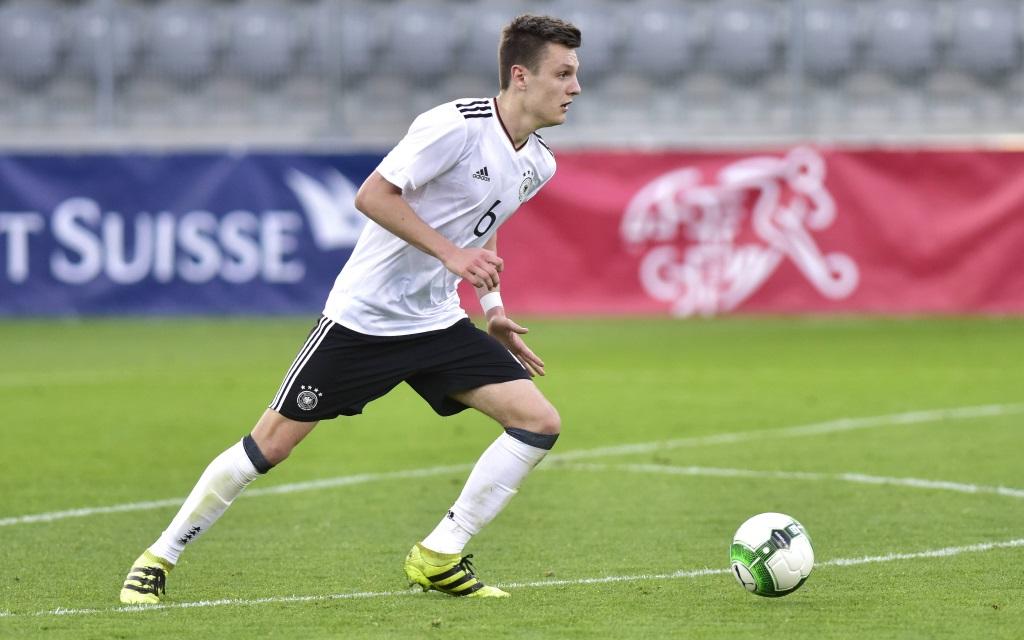 Gino Fechner im Spiel zwischen der deutschen U20 und der Schweiz im März 2017