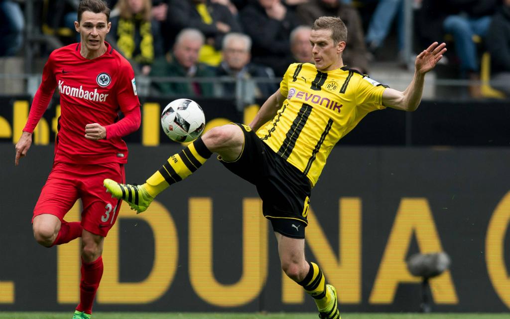 imago/DeFodi: Setzen sich Sven Bender und Borussia Dortmund (r.) gegen Branimir Hrgota und Eintracht Frankfurt durch?