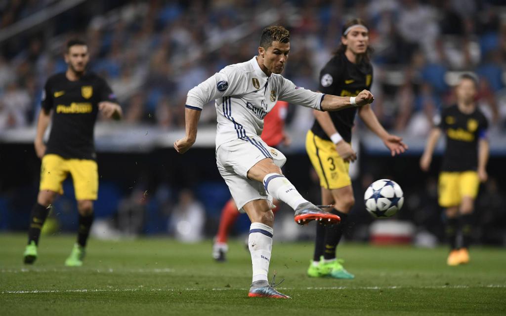 Imago/Marca: So frei wie beim 2:0 kam Reals Ronaldo im Hinspiel öfter zum Abschluss. Dass will Atleticos Defenive nun ändern.