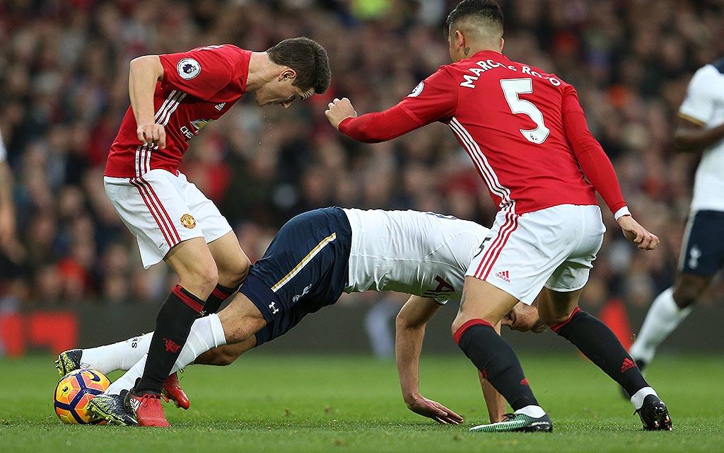 Imago | Uniteds Marco Rojo (r.) fällt gegen Tottenham aus