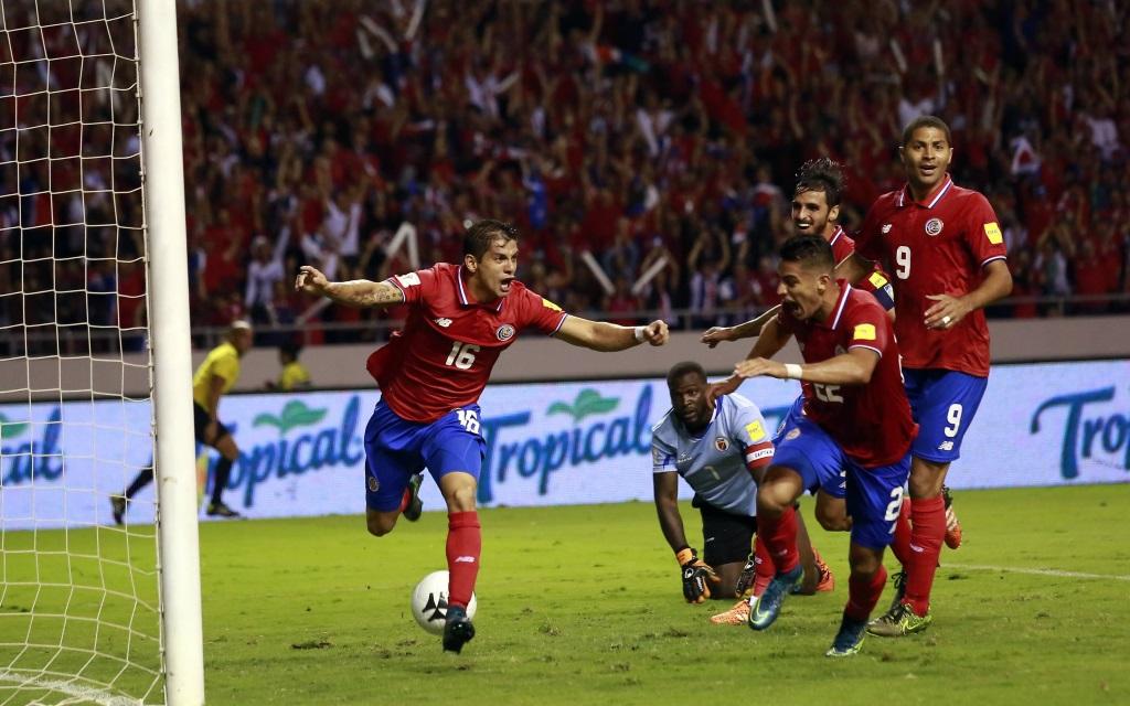 Cristian Gamboa bejubelt sein Tor für Costa Rica in der WM-Quali gegen Haiti.
