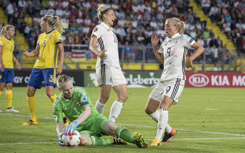 Nach dem 0:0 zum EM-Auftakt will der Favorit aus Deutschland nun gegen Italien gewinnen.