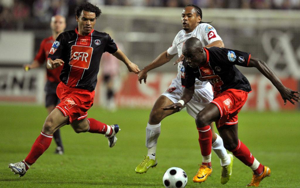 Imago/Panoramic: Im bisher einzigen Duell im Mai 2008 hielt Amiens (weiße Trikots) lange gegen PSG gut mit. Und nun?