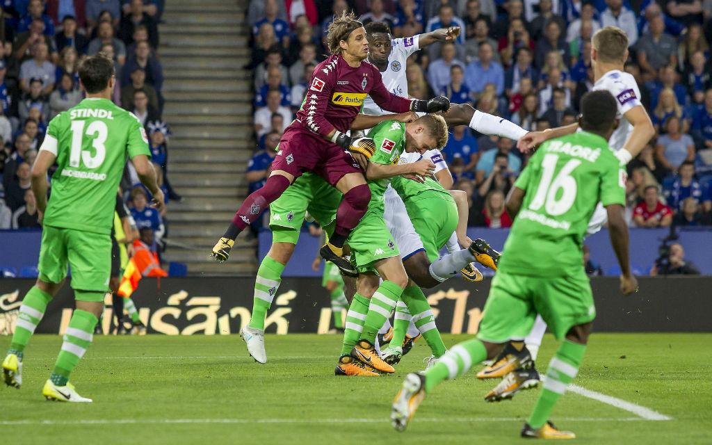 In Essen muss Gladbachs Defensive konzentriert arbeiten - sonst droht das Aus in der 1. Pokalrunde.