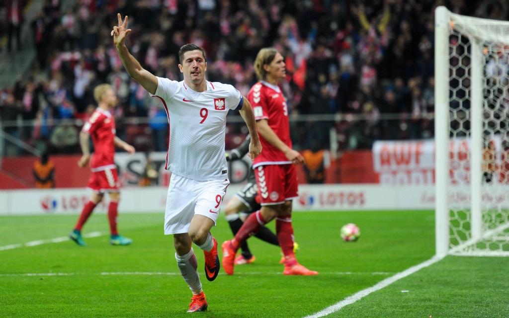 Lewandowski erzielt gegen Dänemark beim 3:2 Sieg einen Dreierpack.