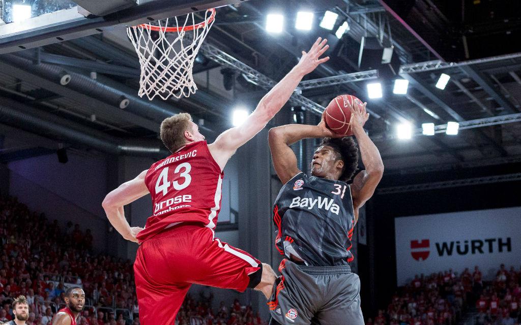 Devin Booker (31, FC Bayern Muenchen Basketball) Korbwurf, Brose Bamberg vs. FC Bayern Muenchen Basketball, Basketball, easyCredit BBL, Saison 2016/2017, Playoff Halbfinale, Spiel 3, 28.05.2017