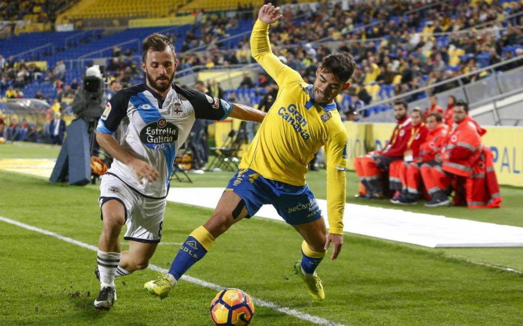 Imago/Cordon Press: Deportivo (l.) und Las Palmas (r.) werden sich auch in der Copa del Rey nichts schenken.