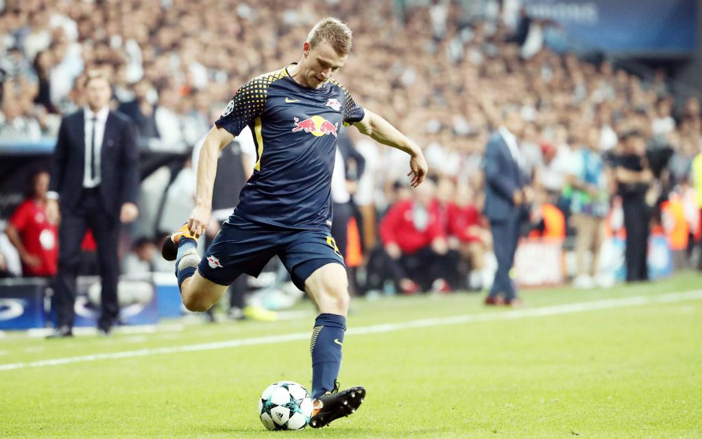 Imago/Picture Point LE: In der Champions League warteten Lukas Klostermann und RB Leipzig bisher auf einen Sieg. Folgt er nun gegen Porto?