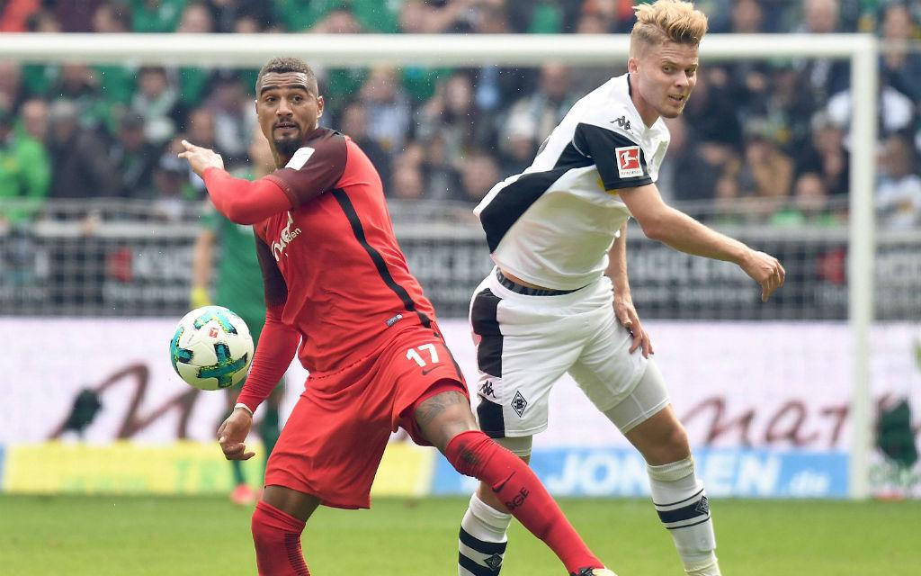 Spitzenspiel: Frakfurt mit Boateng (l.) empfängt Gladbach (hier Elvedi).