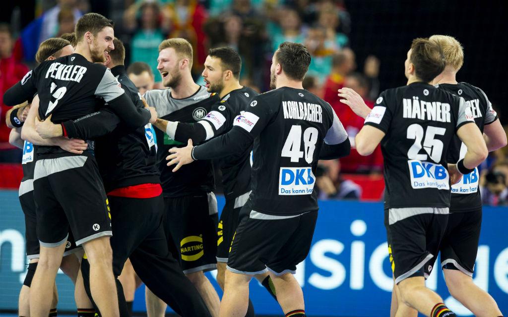 Die DHB-Auswahl schafft durch das 24:24 gegen den Slowenien den vorzeitigen Einzug in die Hauptrunde.