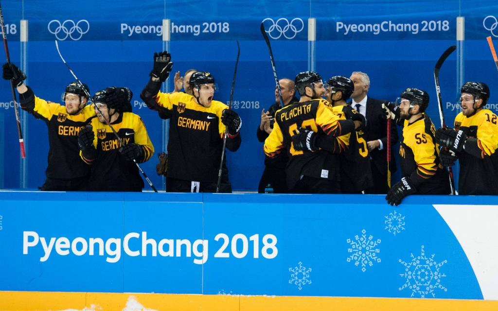 Deutscher Jubel nach dem Eishockey-Wunder gegen Schweden.