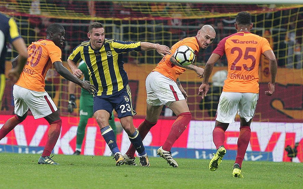 Fenerbahce - Galatasaray: Viktor Janssen fehlt im Sturm von Fenerbahce.
