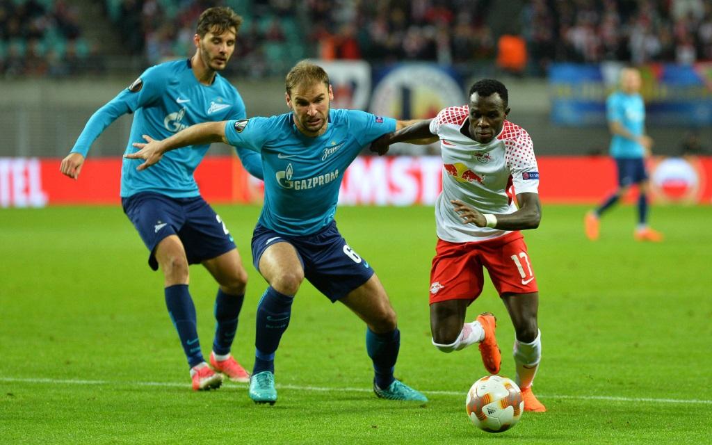 Bruma vor dem 1:0 gegen Zenit im Heimspiel von RB Leipzig im Achtelfinal-Hinspiel der Europa League 2017/18.