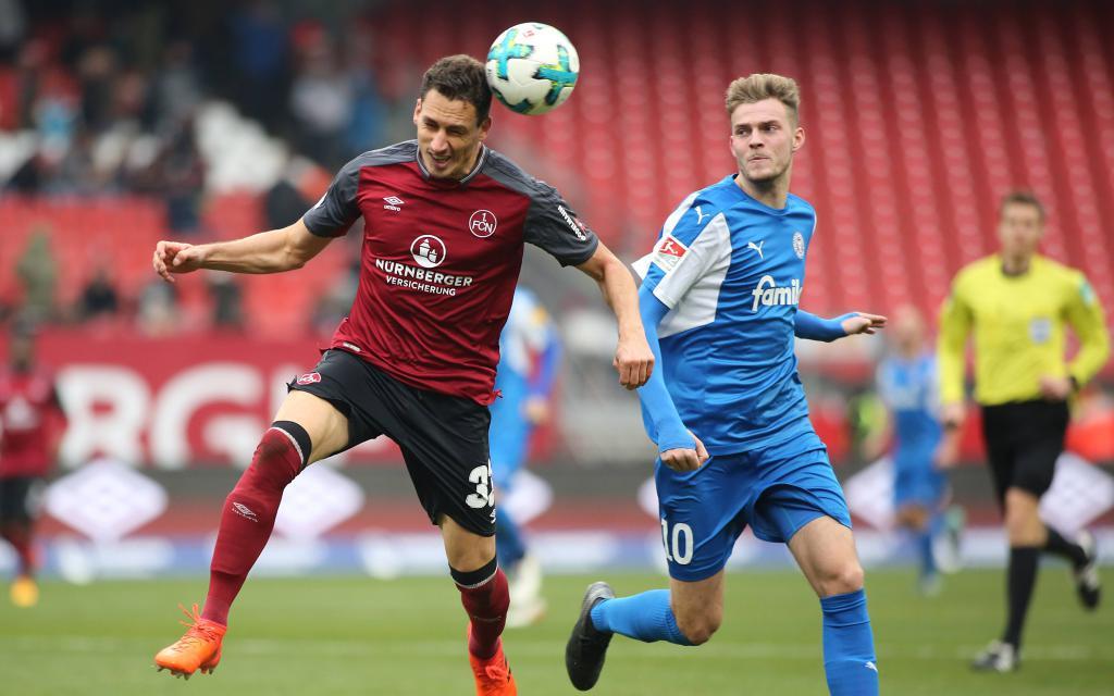 Der 1. FC Nürnberg und Holstein Kiel im Hinspiel der 2. Bundesliga-Saison 2017/18.