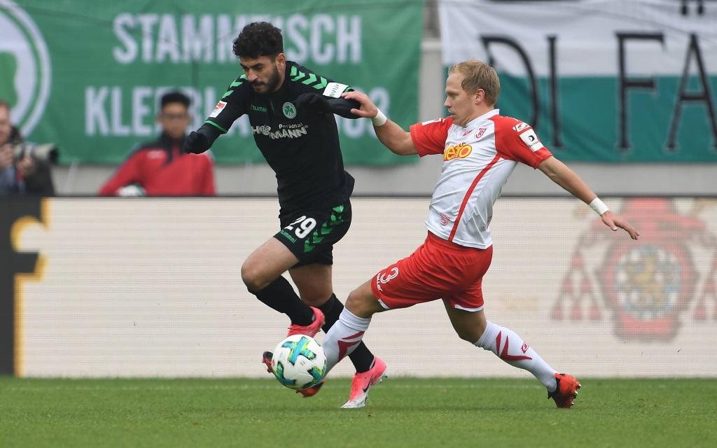 Jahn Regensburg im Heimspiel gegen die SpVgg Greuther Fürth in der Saison 2017/18.
