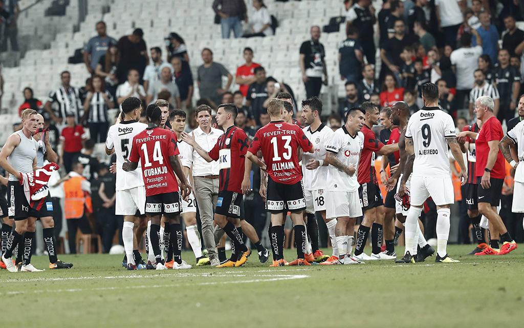 Das Hinspiel in Istanbul gewann Besiktas mit 1:0