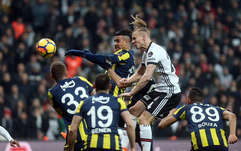 Fenerbahce - Besiktas: Wird wieder mal Fußball gespielt?