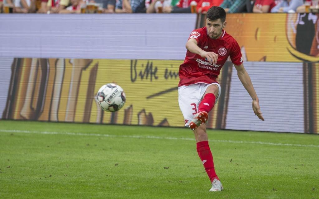 Aaron Martin im Spiel zwischen dem FSV Mainz und dem FC Augsburg.