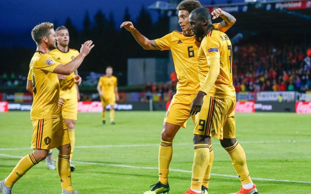 Romelu Lukaku (r.) schoss nicht das erste Tor sondern die letzten beiden Treffer bei Belgiens 3:0 in Island.