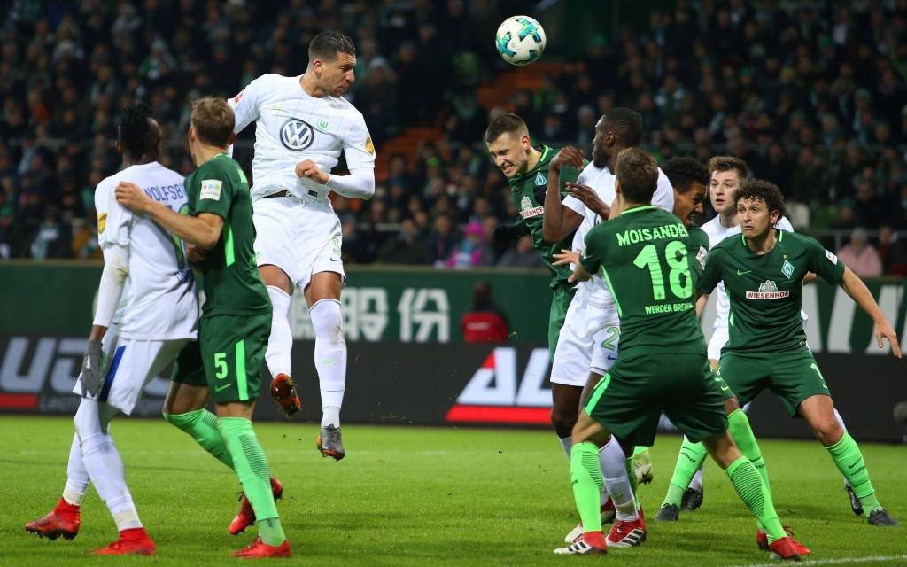 Werder Bremen im Heimspiel gegen den VfL Wolfsburg in der Siason 2017/18.