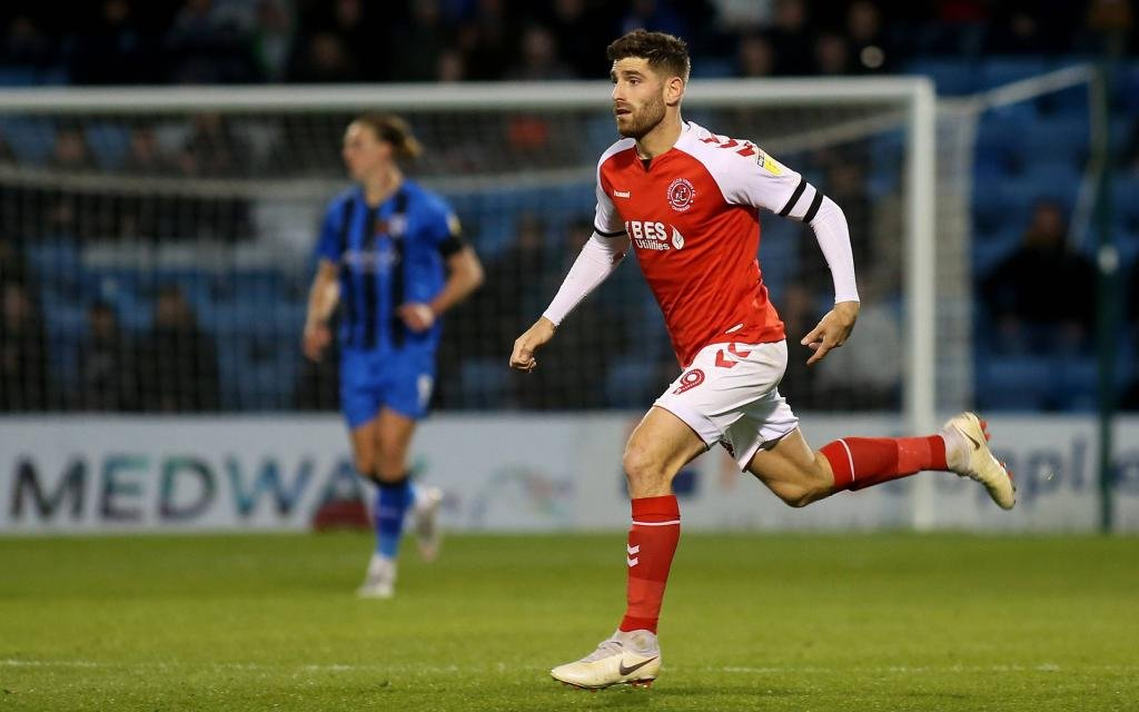 Ched Evans vom englischen Drittligisten Fleetwood Town im Ligaspiel gegen Gillingen.