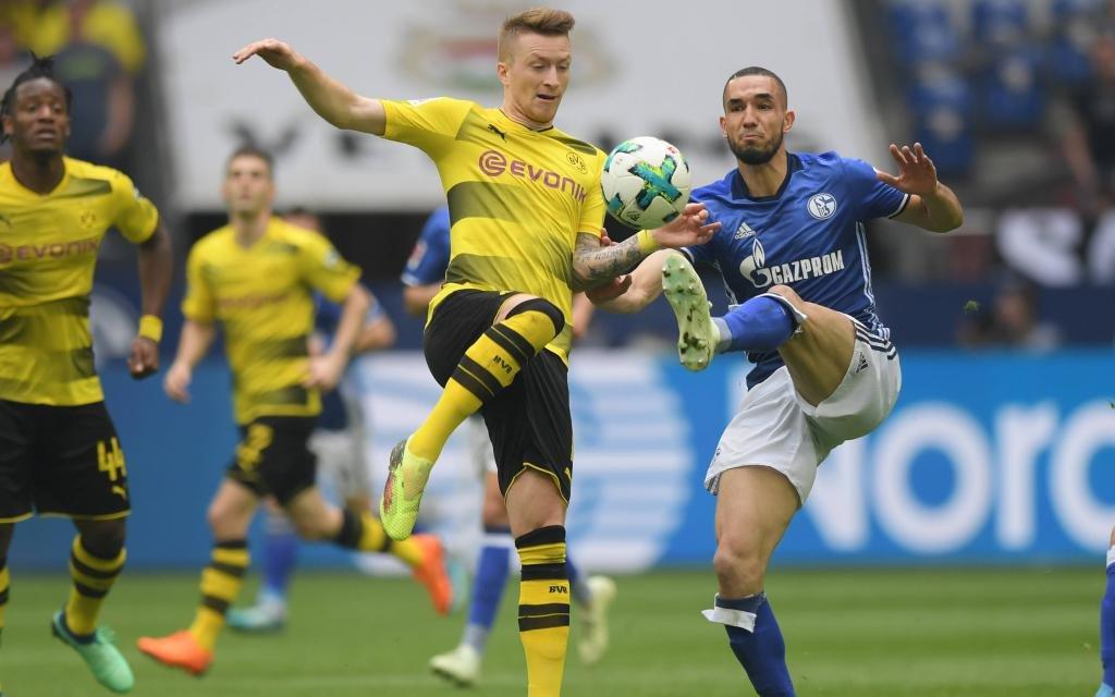 93. Revierderby in der Bundesliga zwischen Schalke und Dortmund.