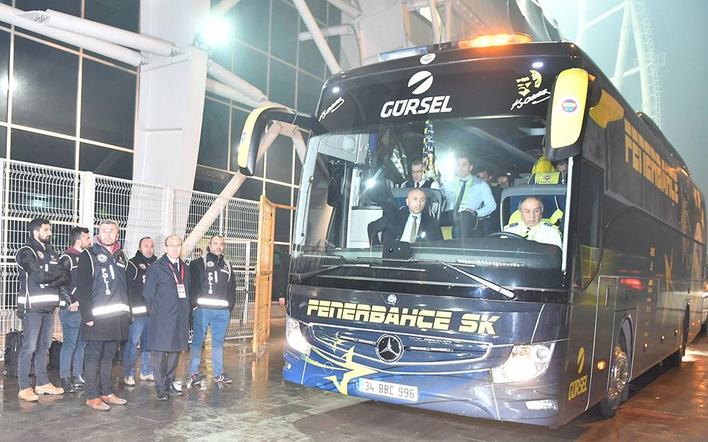 Alles Süper auf dem Weg nach Istanbul: Der Fener-Bus fährt ab