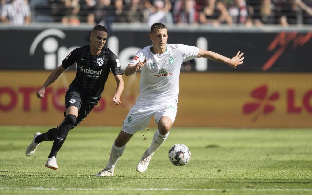 Maximilian EGGESTEIN r. (HB) im Zweikampf gegen Mijat GACINOVIC (F), Aktion, Fussball 1.Bundesliga, 2.Spieltag, Eintracht Frankfurt (F) - SV Werder Bremen (HB), am 01.09.2018 in Frankfurt