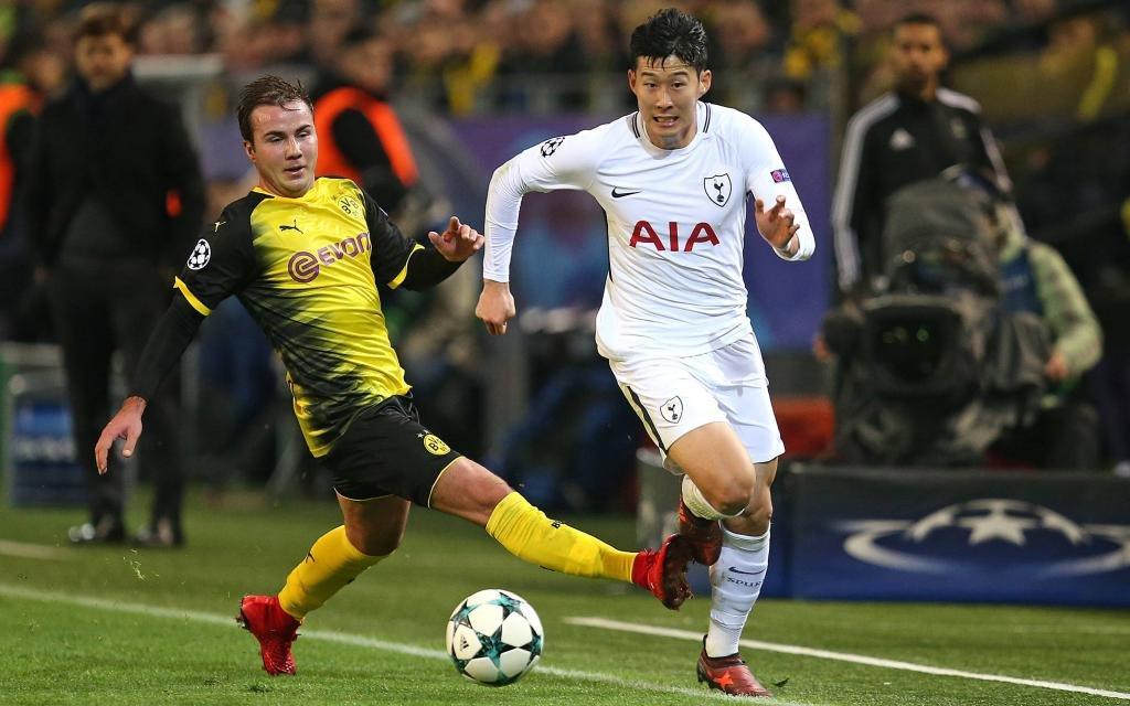 UEFA Champions League 2017/2018, Gruppenphase, 5.Spieltag, Borussia Dortmund - Tottenham Hotspur, im Signal-Iduna-Park Dortmund. v.l. Mario Götze (Dortmund) gegen Heung-Min Son (Tottenham Hotspur)