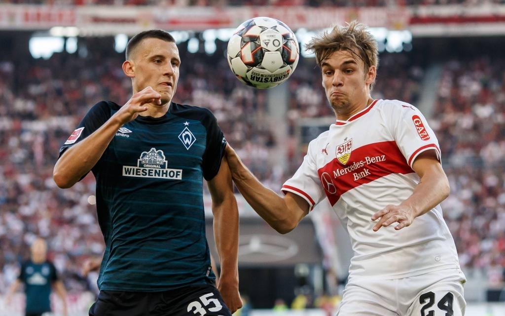 Stuttgart, Deutschland, 29.09.2018, 1. Bundesliga 5. Spieltag, VfB Stuttgart - SV Werder Bremen, Maximilian Eggestein (SVW) und Borna Sosa (VFB) im Zweikampf
