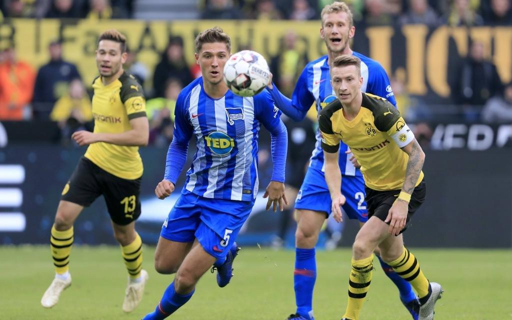 STARK Niklas Team Hertha BSC Berlin DFL Bundesliga Saison 2018-2019 Borussia Dortmund - Hertha BSC Berlin 2 : 2 Am 27. Oktober 2018 in Dortmund