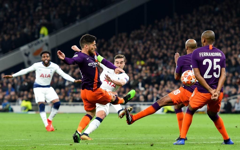 Szene aus dem Viertelfinal-Hinspiel der Champions League zwischen Manchester City und Tottenham Saison 2018/19.
