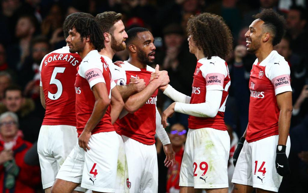 Arsenal feiert den Premier-League-Sieg über Newcastle.