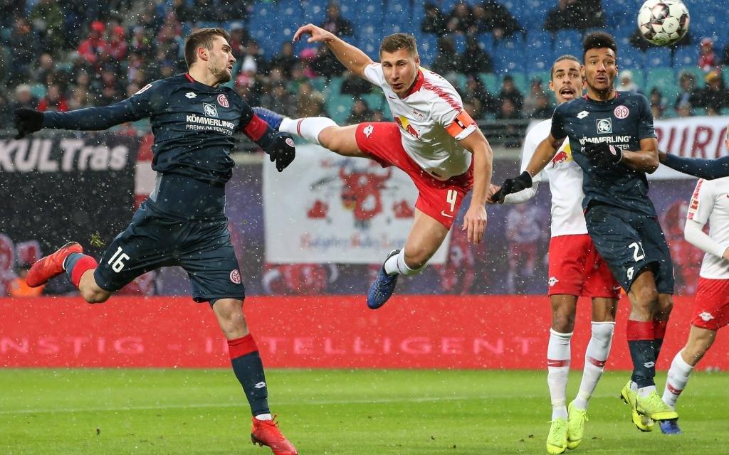 Pokalfinalist Leipzig muss in der Bundesliga in Mainz ran.