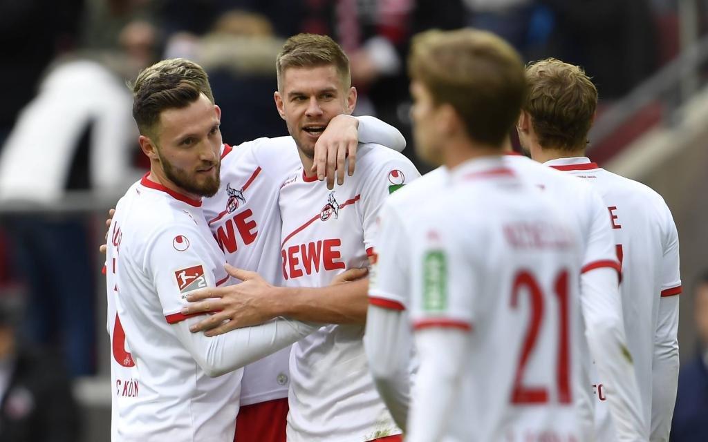 1. FC Köln - SpVgg Greuther Fürth. Simon Terodde bejubelt das Tor zum 4:0.