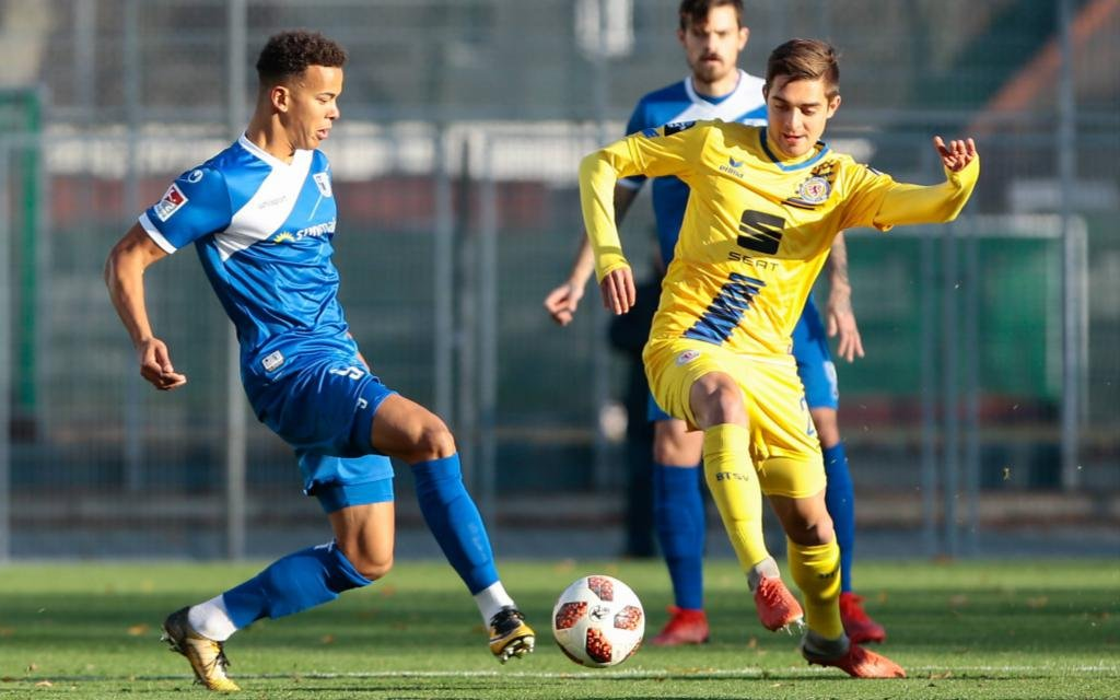 M. Costly (Magdeburg) gegen Braunschweigs D. Sauerland (1:1).
