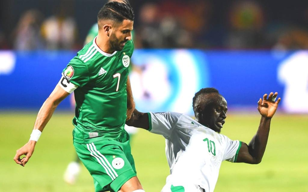 Algerien mit Mahrez gegen Mané mit dem Senegal